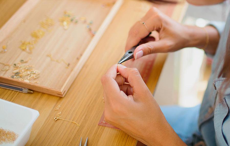 super shop la bonne adresse paris bijoutier horloger. Black Bedroom Furniture Sets. Home Design Ideas